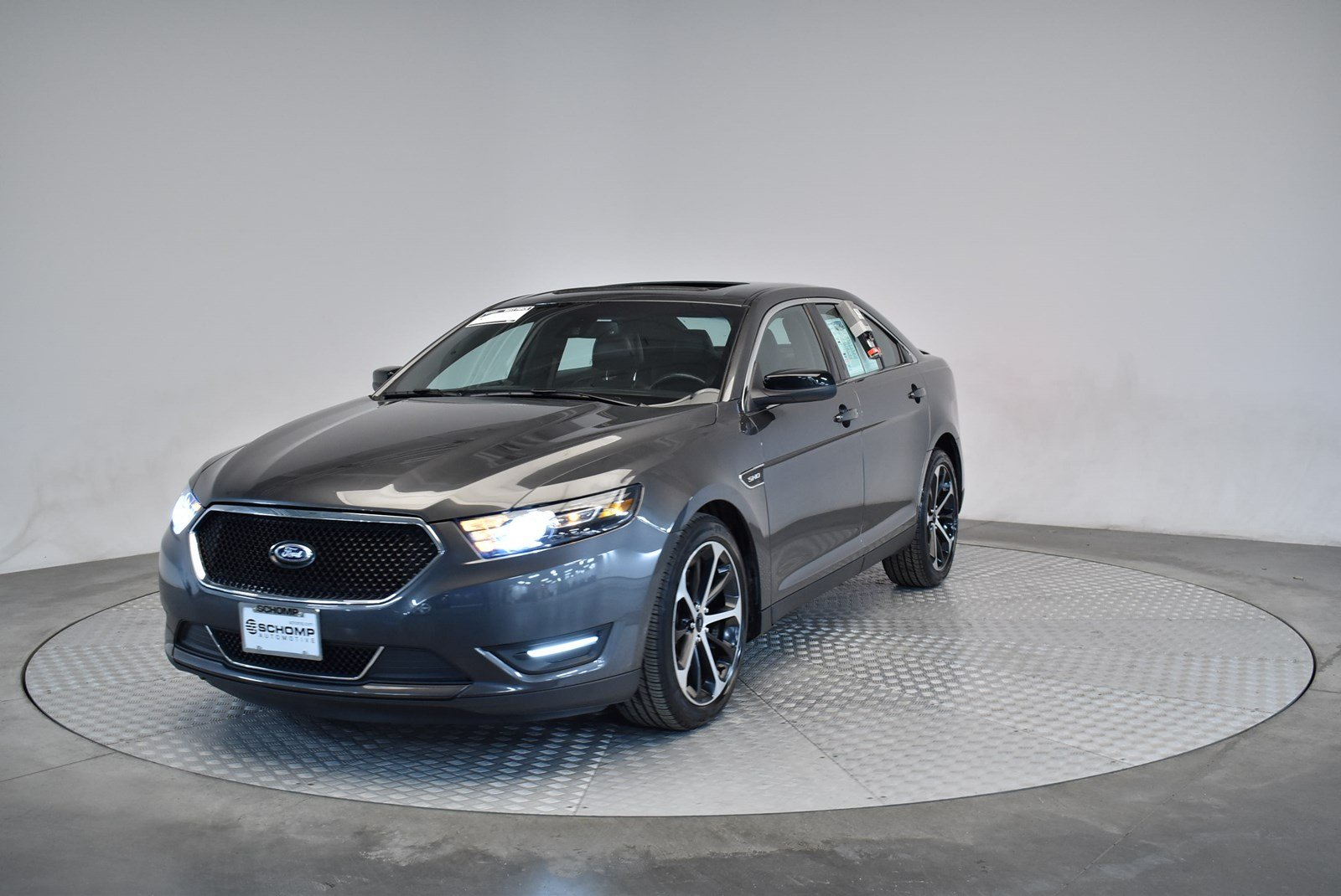 Pre owned 2015 ford taurus sho